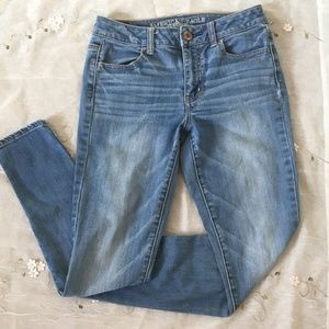 American Eagle Outfitter Hi Rise Skinny Jegging